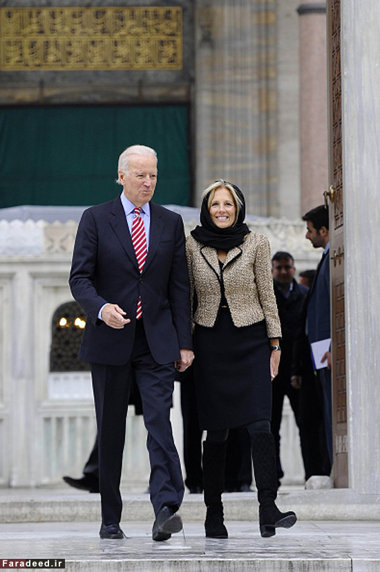 ISTANBUL, TURKEY - NOVEMBER 23: United States Vice President Joe Biden  and his wife Jill Biden visit Suleymaniye Mosque in Istanbul, Turkey, on November 23, 2014. (Photo by Onur Coban/Anadolu Agency/Getty Images)